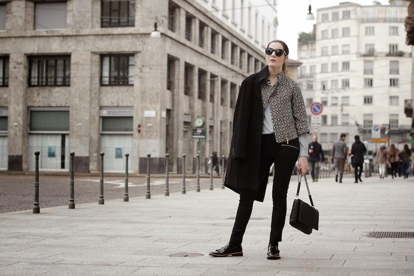 outfit maschile cappotto dolce e gabbana scarpe mocassino di vernice